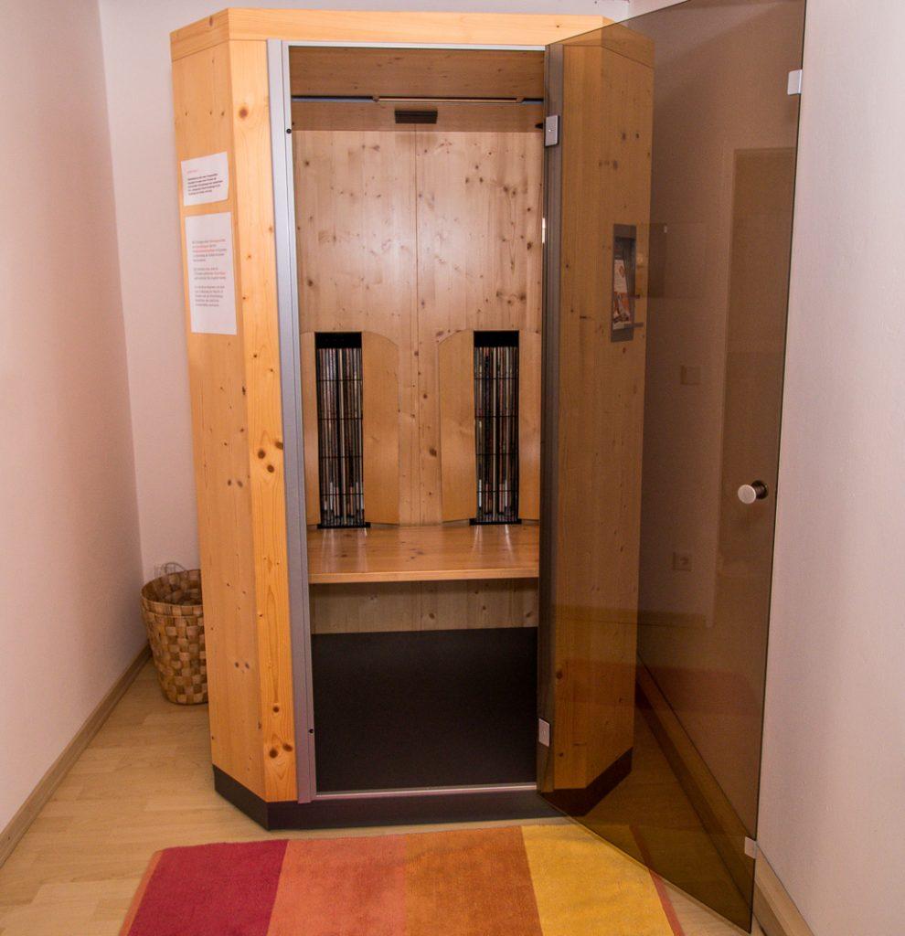infrarotkabine bfit in bfurt. Black Bedroom Furniture Sets. Home Design Ideas